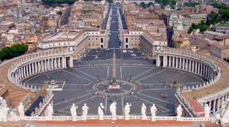 Veduta della Piazza San Pietro verso Via della Conciliazione