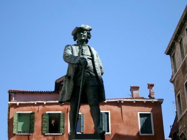 Antonio Dal Zotto, Monumento a Carlo Goldoni, 1883, scultura in bronzo, Venezia, Campo San Bartolomeo