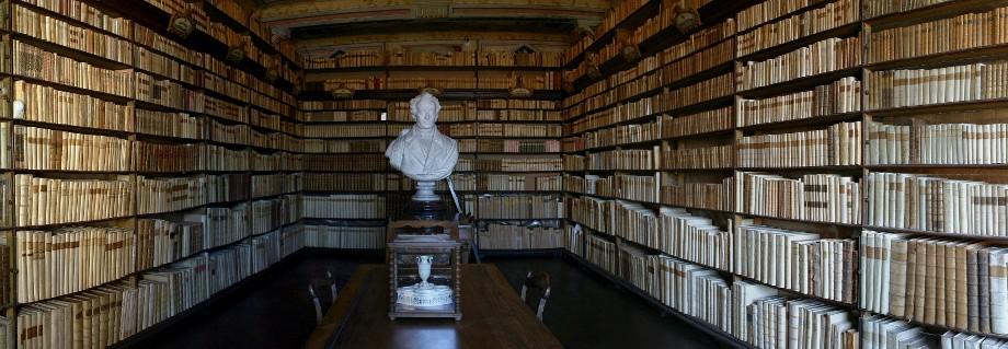 La biblioteca di Casa Leopardi, a Recanati